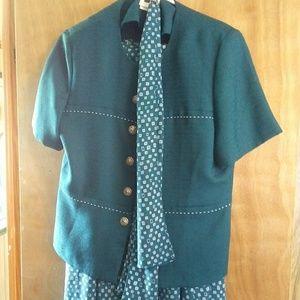 WT118 Leslie Fay Size 12P Maxi Skirt Suit